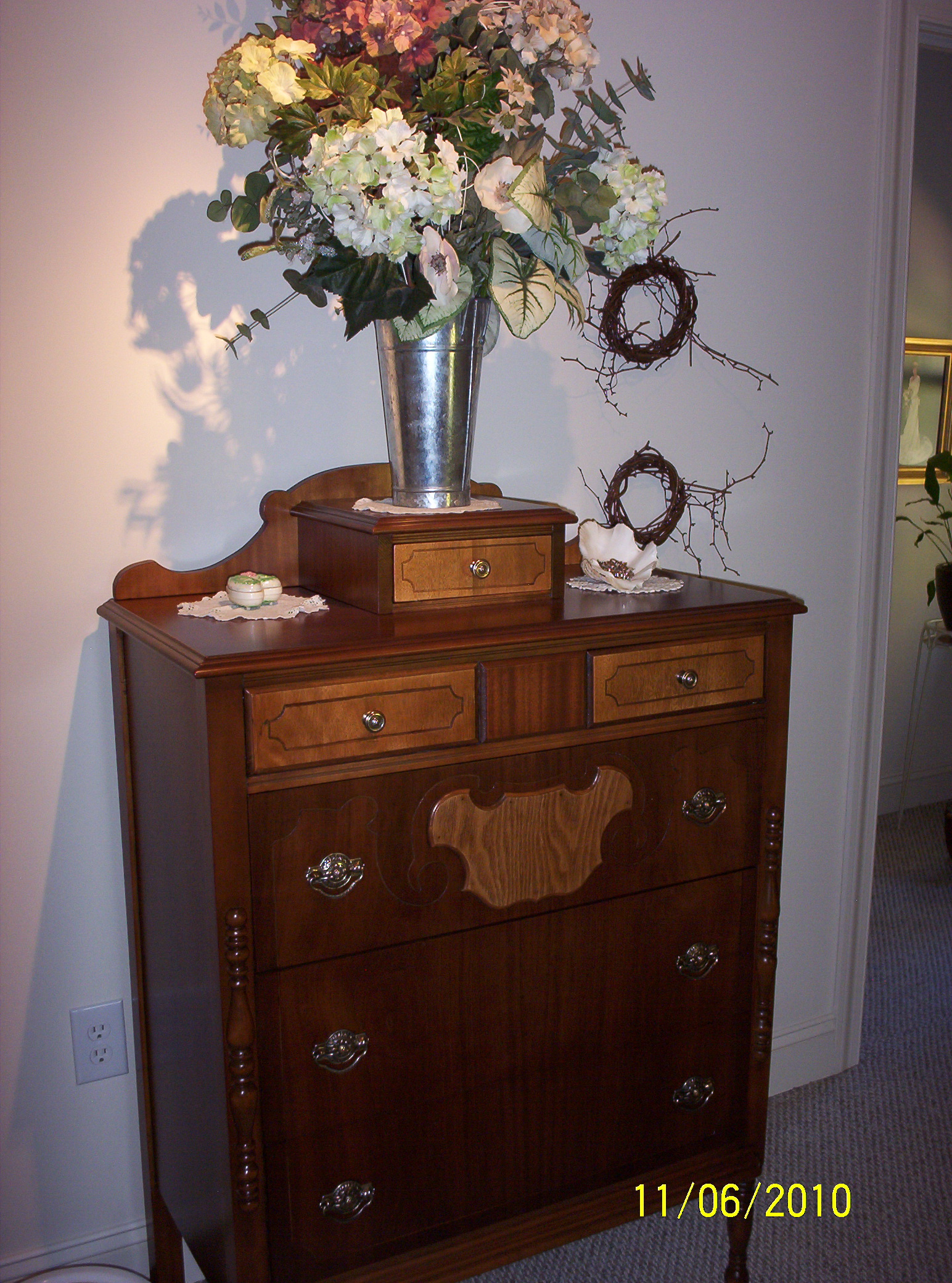 dGray s Furniture LLC wel e